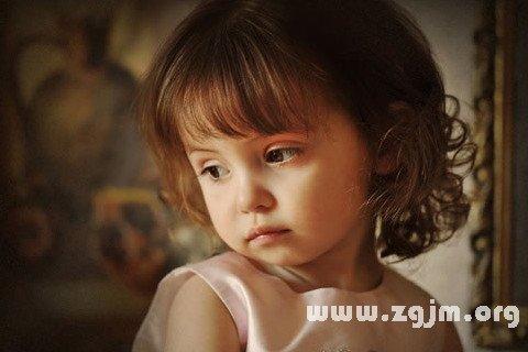 梦见漂亮可爱的小孩
